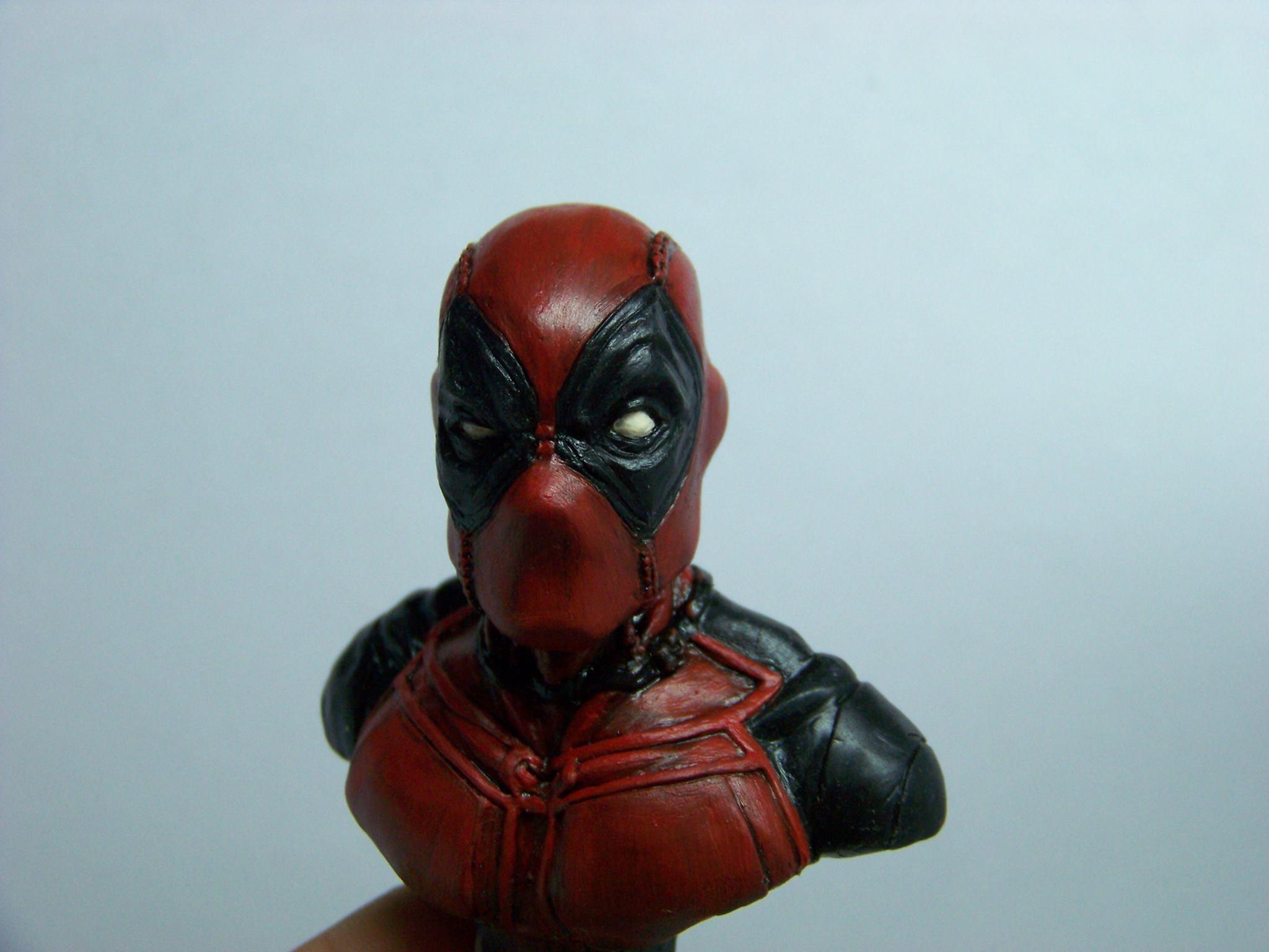 Busto de Deadpool por Isaac Gutiérrez