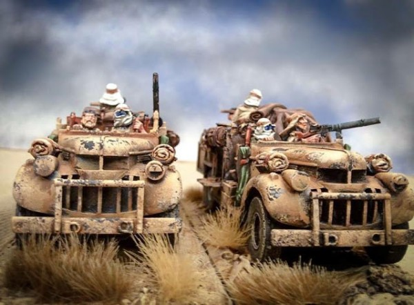 Camiones Chevrolet del LRDG pintados y listos para la acción