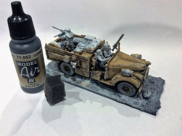 Bolt Action Pintando LRDG Desconchado