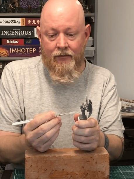 Como pintar miniaturas con temblores, Método del Sr. Ladrillo